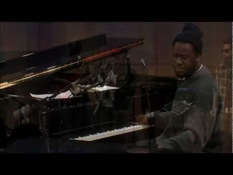 """The Robert Glasper Experiment f/ Bilal, """"All Matter"""" live on Soundcheck in The Greene Space"""
