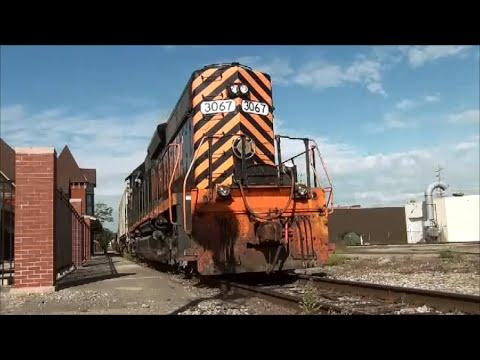 W&LE CWR Train on CF&E Railroad Lima Depot CSX Diamond