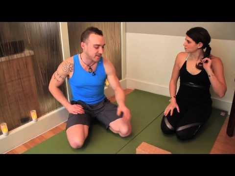 The Perfect Chaturanga Pose : Yoga with Derek Cook and the House of Jai Yoga Studio