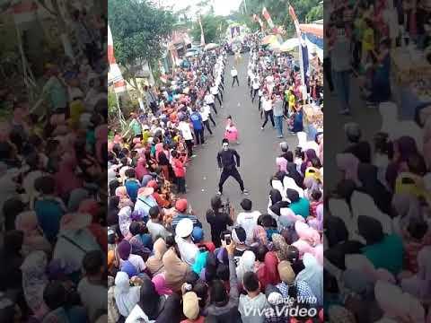Joget Kompak Karnaval Kewer Kewer Kabupaten Lumajang