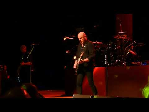 The Stranglers - 'Golden Brown' - Live at The Cliffs Pavilion, Southend - 20.03.18