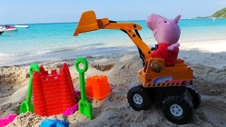 Пеппа и Тэдди играют в песке. Потерянный плюшевый друг. Экскаватор, который любит копать
