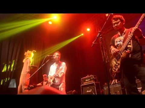 Tony Q Rastafara - Woman (Live In Britama Arena)