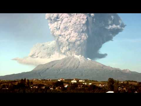 RAW VIDEO  - Calbuco Eruption, view from Puerto Varas - The John Tinta Report