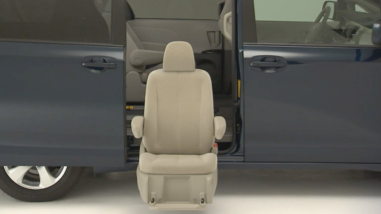 auto access seat 2013 toyota sienna youtube. Black Bedroom Furniture Sets. Home Design Ideas