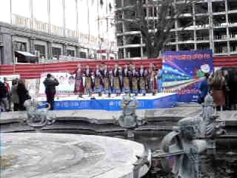 Выставка Арт-Экспо-2011, Ереван, танец на площади