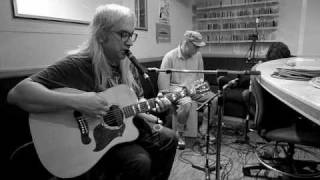 Super Rare DINOSAUR JR - Little Fury Things live on the Radio... FM 94.9 San diego.mp3