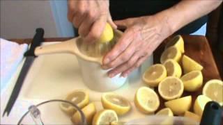 How to Freeze Lemons
