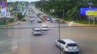 Kira Road Accident (Trailer knocks cars and bus)
