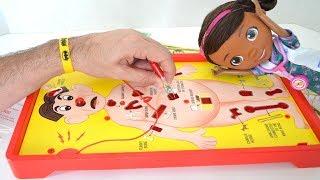 TotoyKids juega a Operando junto a la Doctora Juguetes!!! Niños contra Niñas!!! TotoyKids thumbnail