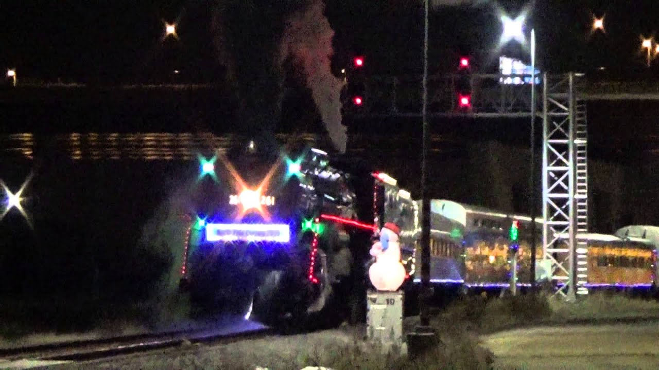 milwaukee road 261 and the cp holiday train at st paul union depot