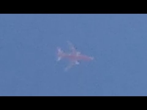 fake plane turns into a ufo and vanishes helicopter shows up