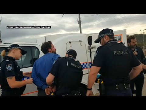 الشرطة الأسترالية توقف صحافياً فرنسياً والأخير يتحدث لـ -يورونيوز-…  - نشر قبل 4 ساعة