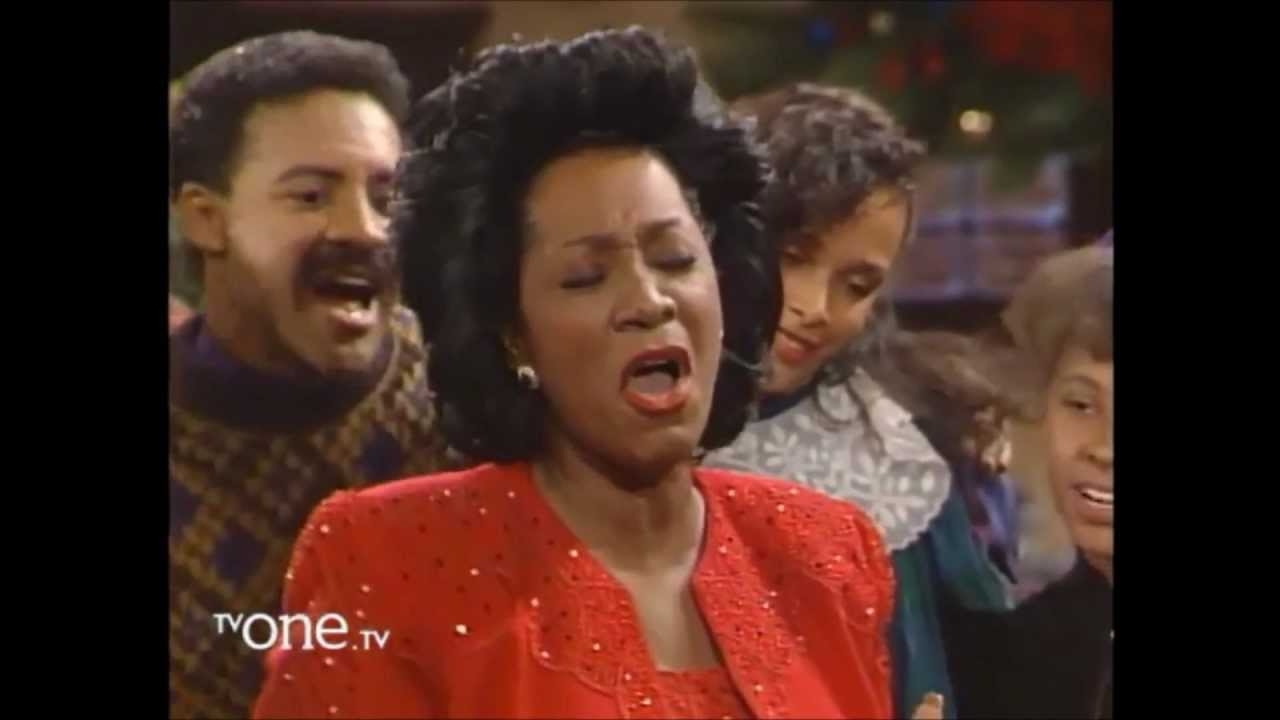 Patti LaBelle sings on A Differend World, Christmas special - YouTube