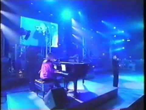 華原朋美 Tomomi Kahala - DEPARTURES (live)