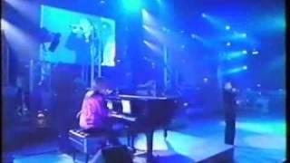 華原朋美によるDEPARTURES / globe のカバー小室哲哉氏のピアノ伴奏199...