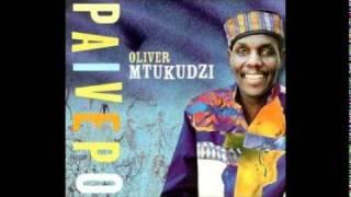 Oliver Mtukudzi - 'Pindurai Mambo'