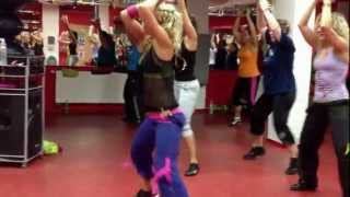 LENKA KAZECKÁ Zumba Fitness / Follow The Leader - Jennifer Lopez