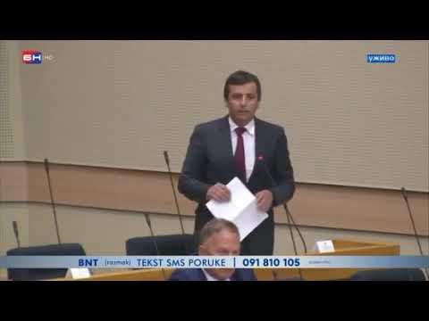 Oštar duel Vukana i nervoznog Dodika