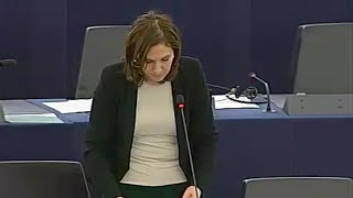 Repeat youtube video Intervention de Nora Berra au Parlement européen sur la situation en Égypte