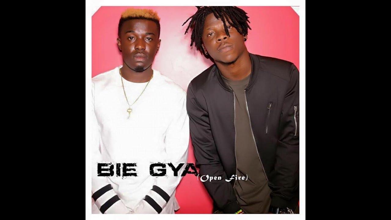Download Criss Waddle, Stonebwoy, Beats Dakay & Selassie - Bie Gya (Open Fire) [Studio session]