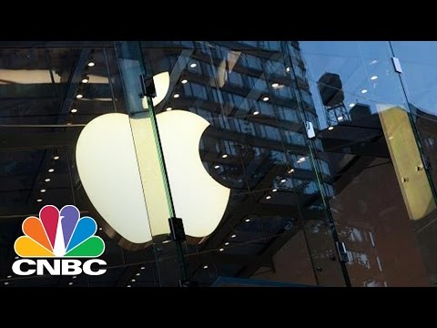 Apple's Cash Hoard Hits A New Record | Tech Bet | CNBC