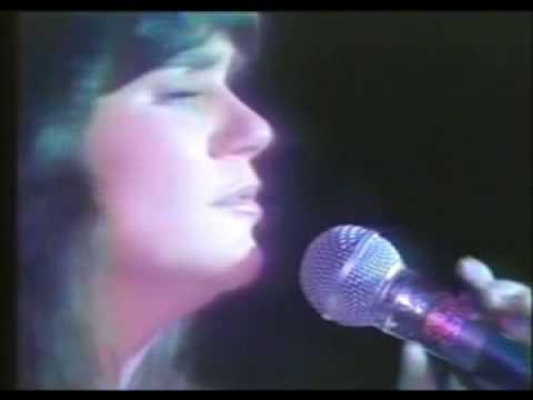 Linda Ronstadt - Love Has No Pride Live