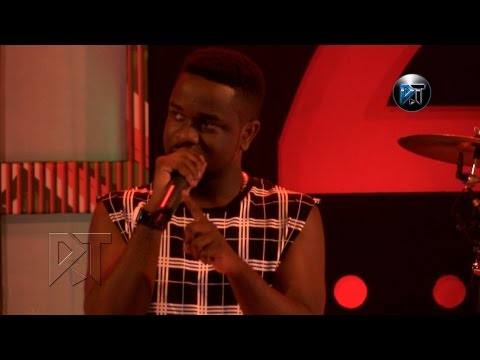 Sarkodie performing with instru at Akosua Agyapong at 25 concert