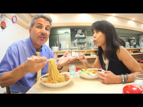 5 Things Wrong with Japan - [With Tomoko Desu] Click CC for subs!