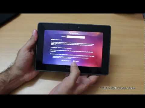 BlackBerry PlayBook 32GB unboxing and first boot