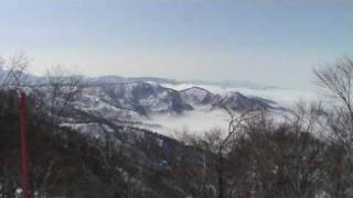 Up above the clouds - snowboarding at Nozawa Onsen