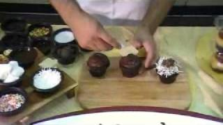 How To Customize Delicious Chocolate Cupcakes