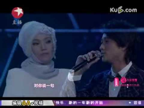 Shila Amzah & James - Haojiu Bujian (好久不见) Shanghai Dragon TV's New Year's Countdown (31 Dec 2013)