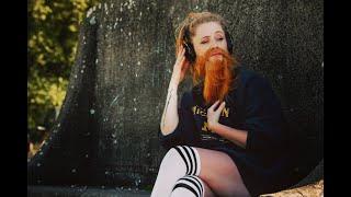 Смотреть клип Janet Devlin - Big Wide World