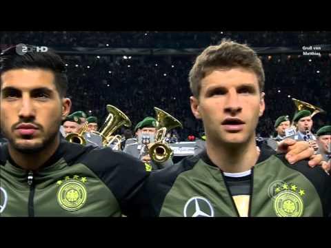 Deutsche Hymne vorm Fußball Testspiel Deutschland-England 26.03.2016 - Gruß von Matthias