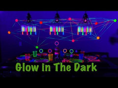 How To: Glow in the Dark Party on a Budget | Neon Party 2019 (VLOG) Part 2