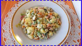 Картофельный салат с яйцом и маринованными грибами