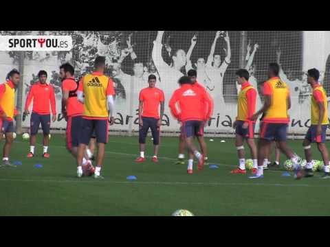Phil Neville se atreve con el español en el entrenamiento