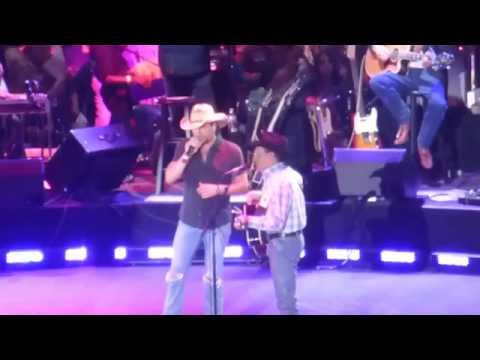 George Strait & Jason Aldean - Nobody In His Right Mind Would Have Left Her (Dallas 06.07.14) HD