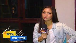 Sering Liburan Bersama Angela Gilsha dan Stuart Collin Pacaran ? - Hot Shot