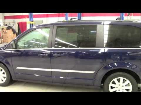 Mills Auto 2012 Chrysler Town & Country Touring Edition FWD