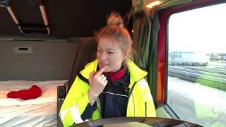 Ostatni Załadunek W 2018, Last Pick Up In 2018 - Iwona Blecharczyk Trucking Girl