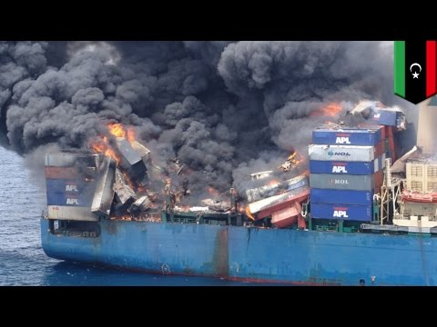 Libya attack: Turkish cargo ship Tuna-1 shelled and bombed near the port of Tobruk - TomoNews