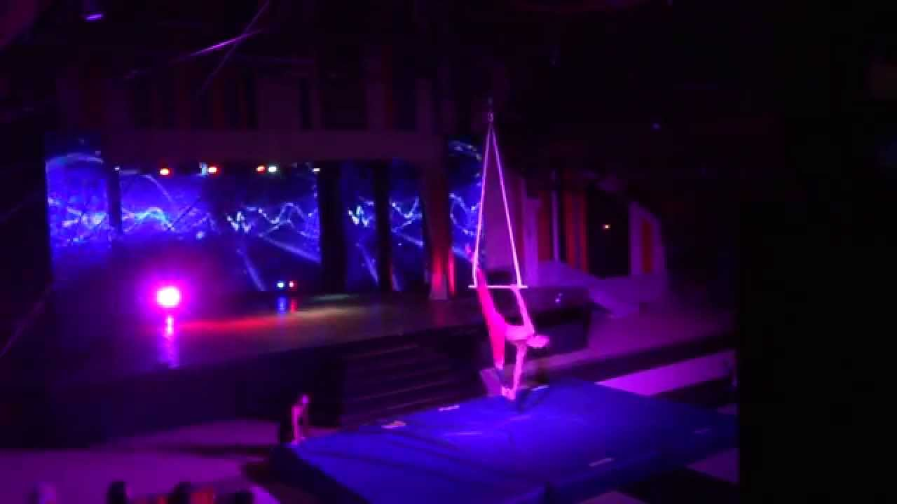 Nick Rothlisberger Trapeze, Club Med Bali. - YouTube