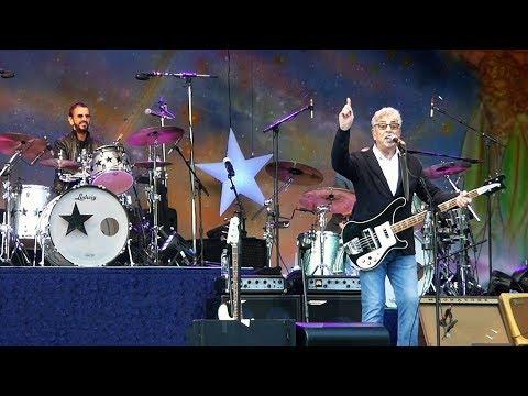 10cc's Graham Gouldman with Ringo Starr - Dreadlock Holiday [Live in Hamburg - 11-06-2018]