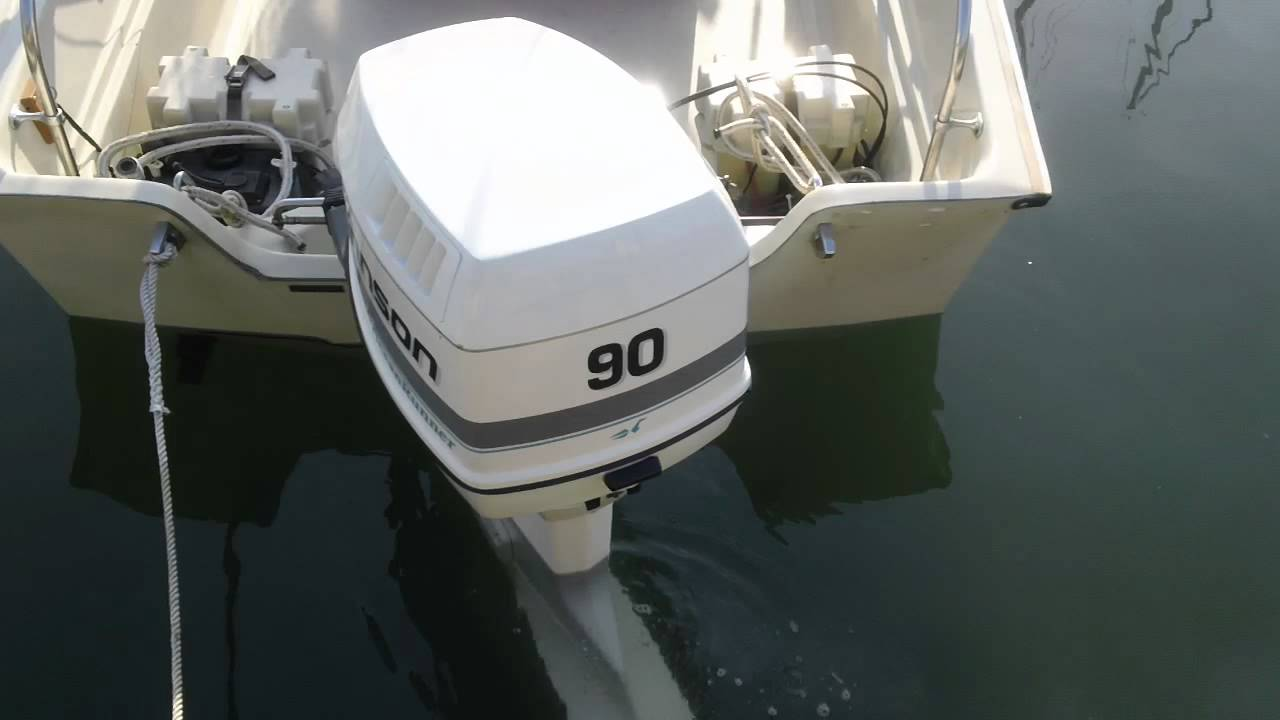 Starting Up The Johnson Ocean Runner 90 Hp Outboard Youtube