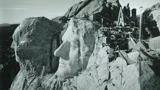 20 AMAZING HISTORICAL PHOTOGRAPHS OF THE MOUNT RUSHMORE UNDER CONSTRUCTION