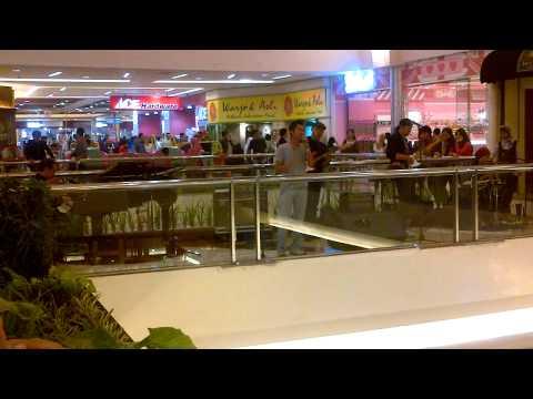 igun cebong -biru at pondok indah mall.3GP ( wonosobo )