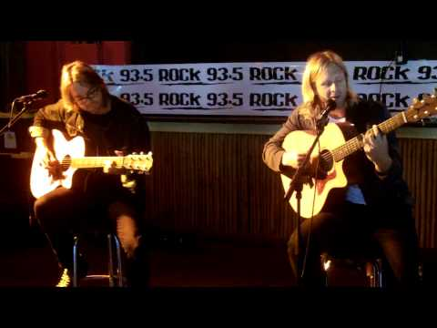 "ROCK 93.5 FM Presents SWITCHFOOT LIVE ACOUSTIC ""Dare You To Move"""