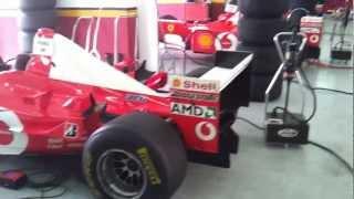 Mise en route d'une ancienne Ferrari Formule 1